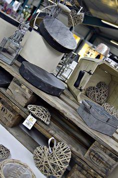 #deko #dekoration #dekoideen #palette #korb #holzdeko #holzdekoration #dekorieren #decor #homedecor #design