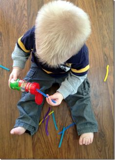 Great fine motor play activities for the littlest learners using household materials