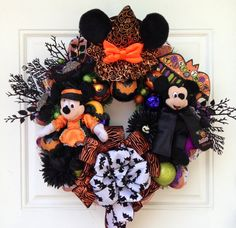 Mickey Minnie Mouse Halloween Wreath with Bats