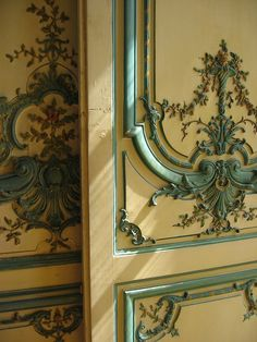 so stunning. perhaps for a dining room wall? Interior And Exterior, Interior Design, Antique Doors, Classic Furniture, Elegant Homes, Wood Paneling, Architecture Details, Just In Case, Painted Furniture