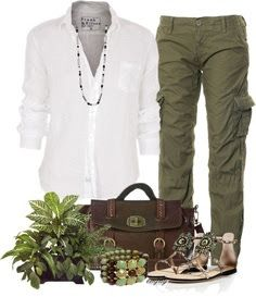 love. looking for green cargo pants that are comfy but not too baggy.