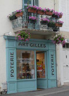 Magasin - poterie aix les bains artgilles2 rue Lamartine 73100 AIX LES BAINS Tel 06 81 56 25 61 ouvert du lundi au samedi de 17 h à 19 h