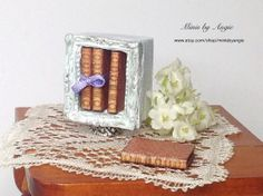 Dollhouse miniature desktop bookcase with four by MinisbyAngie, €20.35