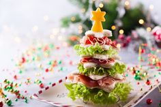 Not only learn of some great brands of gluten free deli meat, but how to make a Christmas tree deli meat centerpiece for a platter or table. Christmas Snacks, Christmas Breakfast, Toast Noel, Honey Oat Bread, Star Cookie Cutter, Chicken Patties, Gluten Free Bakery, Tea Recipes, High Tea