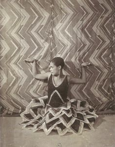 Still from Le P'tit Parigot directed by René Le Somptier, Costumes by Sonia Delaunay, 1926 Sonia Delaunay, Robert Delaunay, Art Nouveau, Art Deco, Deep Time, Close Image, Archaeology, 1920s, Textiles
