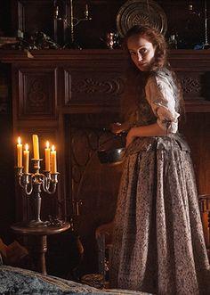 Geillis Duncan (Lotte Verbeek) in S1E3 'The Way Out.' | Outlander on Starz via http://outlandertvnews.com/
