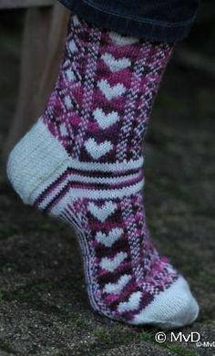 Cute for Valentines Crochet Socks Pattern, Mittens Pattern, Knit Mittens, Knitting Socks, Baby Knitting, Knitting Patterns, Knit Crochet, Foot Socks, My Socks
