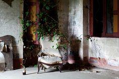 14 Italian mansions that look splendid even when abandoned  http://fineshark.com/14-italian-mansions-that-look-splendid-even-when-abandoned/