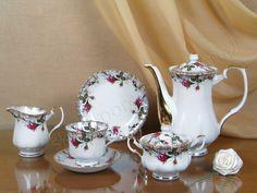 garnitur do kawy na 12 osób - Iwona - dek. B013 Polskie Fabryki Porcelany Ćmielów i Chodzież S.A