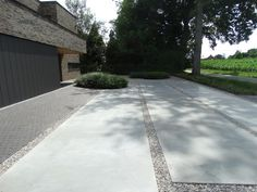 Modern Driveway, Front Yard Design, Concrete Driveways, Facade House, Architecture Design, Garden Design, Home And Garden, Exterior, Landscape