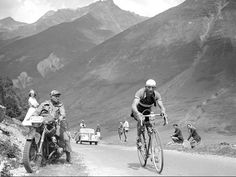 El gran rival de Coppi, Bartali echándole cojones en el Tour de Francia