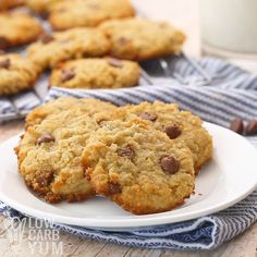 Easy and delicious low carb chocolate chip cookies made with coconut flour. These keto cookies are a great snack any time. Cookies Sans Gluten, Low Carb Chocolate Chip Cookies, Keto Chocolate Chips, Chocolate Cookie Recipes, Easy Cookie Recipes, Keto Cookies, Cookies Et Biscuits, Sugar Cookies, Oatmeal Cookies