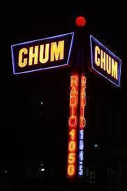CHUM radio neon signs Toronto, my favourite radio station growing up. Favourite DJ was Jungle Jay Nelson. I Am Canadian, Canadian History, Toronto Ontario Canada, Vintage Neon Signs, Old Time Radio, Neon Nights, Old Signs, Old Neon Signs, Sign Lighting