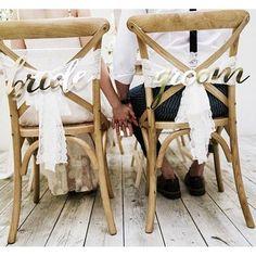 Dekoration för stolarna på bröllopet