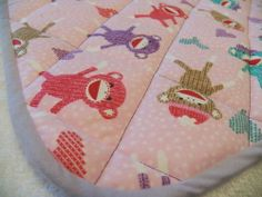 "20"" x 20"" Large Quilted Washable Baby Diaper Changing Pad - PINK SOCK MONKEY NEW"