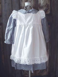 Madickenklänning blårutig - Barnkläder - 100 years