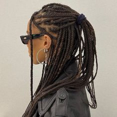 Thanks to these 31 gorgeous January hairstyles, we see nothing but gorgeous hair days in your future. Baddie Hairstyles, Box Braids Hairstyles, Pretty Hairstyles, Easy Hairstyle, Hairstyle Ideas, Hair Inspo, Hair Inspiration, Curly Hair Styles, Natural Hair Styles