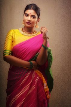 Indian Dresses- Image Ideas – Ideas for all Dresses & Outfits for All Ocassions Onam Saree, Kerala Saree, Indian Sarees, Silk Sarees, Saris, Saree Blouse Designs, Blouse Patterns, Indian Dresses, Indian Outfits