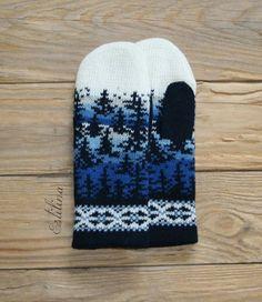 from Anna Linde Double Knitting Patterns, Knitted Mittens Pattern, Fair Isle Knitting Patterns, Knitting Charts, Knit Mittens, Knitted Gloves, Knitting Socks, Crochet Patterns, Norwegian Knitting