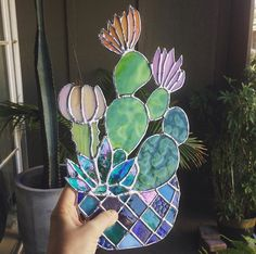 Top 11 Stained Glass Soldering Tips - Learn How to Solder Glass Art - Tools And Tricks Club Stained Glass Suncatchers, Stained Glass Designs, Stained Glass Projects, Stained Glass Patterns, Stained Glass Flowers, Stained Glass Art, Mosaic Glass, Stained Glass Panels, Glass Cactus