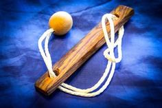 Simple Rope Puzzle: 10 Steps (with Pictures) Dremel Projects, Fun Projects, Woodworking Projects, Old Key Crafts, Diy And Crafts, Brain Teasers, Wood Toys, Wood Art, Puzzles