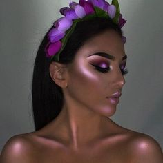 Blossoms Highlighter (Warm Gold/Lavender/Sunset) - Sarah Miller - Blossoms Highlighter (Warm Gold/Lavender/Sunset) LimeCrime🌹Cosmetics 🌟'HI-LITE: BLOSSOMS', 3 Shade Iridescent High Light Palette for Face & Body. 💖Glow ON💡🌷 wearing 'Lavender' shade. Makeup Goals, Makeup Inspo, Makeup Inspiration, Makeup Tips, Makeup Ideas, Make Up Looks, Creative Makeup, Simple Makeup, Beauty Make-up