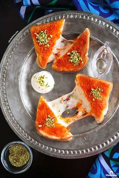 Kanafeh Grilled Cheese Sandwich {If you love cheese kanafeh, you're gonna go nuts over this sandwich version of it! Arabic Dessert, Arabic Sweets, Arabic Food, Sandwiches, Middle Eastern Desserts, Mediterranean Recipes, Food Photography, Hummus, Dessert Recipes