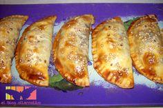 Empanadillas de espinacas, tomates y pasas