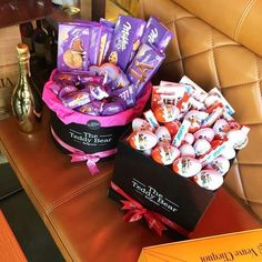 Image in Food 🍕 collection by H. on We Heart It Cute Birthday Gift, Birthday Gift Baskets, Friend Birthday Gifts, Food Gifts, Diy Gifts, Milka Chocolate, Candy Bouquet Diy, Sleepover Food, Chocolate Gift Boxes