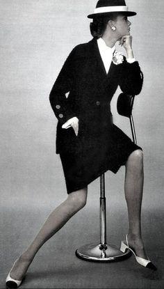 1968 - Chanel suit in Elle