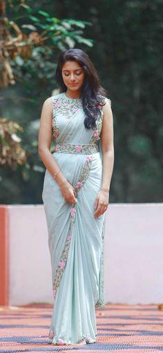Fancy Sarees Party Wear, Saree Designs Party Wear, Party Wear Indian Dresses, Designer Party Wear Dresses, Indian Gowns Dresses, Indian Fashion Dresses, Asian Fashion, Sari Design, Half Saree Designs