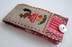 I love this #squirrel cross stitch needle case. Gera is such an amazing designer.