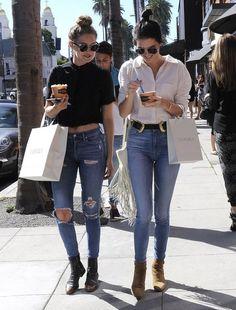 2人でお揃いLook Kendall Jenner & Gigi Hadid Enjoy A Day In Beverly Hills