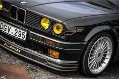 いいね!2,449件、コメント8件 ― E30 | E30 Shop| BMW Apparelさん(@e30worldwide)のInstagramアカウント: 「This is epic @skustas325 #e30worldwide #e30lebanon #barnfind#mtech2 #m3#e30 #e30s #e30m3 #e30coupe…」