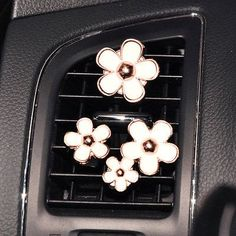 awesome 4pcs Daisy Set Handmade Car vent clip, car air freshener, car interior, car accessory, car fragrance in Pink and White Color  car deco Check more at http://autoboard.pro/2017/2016/12/04/4pcs-daisy-set-handmade-car-vent-clip-car-air-freshener-car-interior-car-accessory-car-fragrance-in-pink-and-white-color-car-deco/