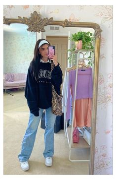 Baggy Jumper Outfit, Jeans Outfit Winter, Mom Jeans Outfit, Overalls Outfit, Outfit Summer, Indie Outfits, Sporty Outfits, Cute Casual Outfits, Denim Outfits