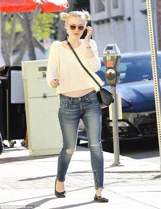Dakota Fanning- casual street style