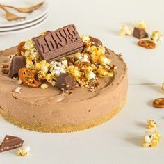 MonChoutaart met Tony's Chocolonely Karamel Zeezout Snickers Cheesecake, Cheesecake Recipes, Dessert Recipes, Pie Cake, No Bake Cake, Cute Desserts, Delicious Desserts, Sweet Coffee, Sweet Pie