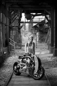 Cafe Racer Girls 013 ~ Return of the Cafe Racers