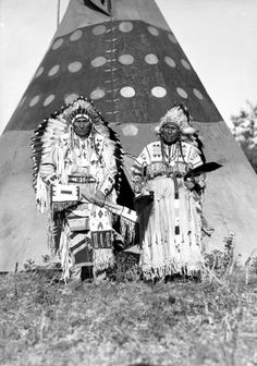 http://www.nativi.altervista.org/Hector%20Crawler%20and%20wife,%20Chief%20of%20Stony%20Indians.jpg