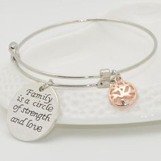Looking for a nice gift for your mom, sister or any family member? This Family Circle Bangle Bracelet is what you're looking for! These silver bangle bracelet is perfect for anniversaries. birthdays, and really any occasions! These family themed bracelet suits teenagers, young adults and women who likes to wear jewelry.