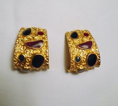 Vintage Anne Klein Gold tone Earrings Clip on Textured w/ Acrylic Curl #AnneKlein #EarringsCliponTexturedVintageCurlAcrylic