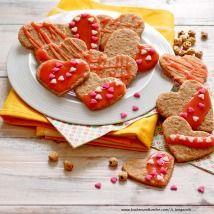 Kekse selber backen - feine Rezepte für Weihnachtskekse - alle Einträge | Kochen… Gingerbread Cookies, Waffles, Sugar, Breakfast, Desserts, Food, Valentines Recipes, Valentine Gift For Him, Oven