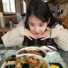 Image about kpop in lee jieun by  on We Heart It Iu Diet, Korean Girl, Asian Girl, Asian Woman, Iu Fashion, Foto Pose, Korean Actresses, Ulzzang Girl, Snsd