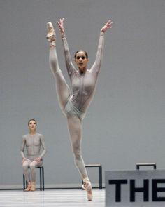 Het Nationale Ballet (Dutch National Ballet), Amsterdam, The Netherlands - The Second Detail (William Forsythe) Photo by Angela Sterling
