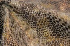 iridescent-anaconda-fabric-4.jpg (5184×3456)