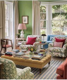 Beautiful Living Rooms, Beautiful Interiors, Beautiful Homes, Living Room Designs, Living Spaces, Happy Room, Green Rooms, Green Walls, Cottage