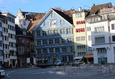 Find all the Informations you need about your Vacation in Switzerland and Tourism in general. Facts, Guides, Transport, Vacation Ideas, most famous Places to see around the Country. Famous Places, Switzerland, Places To See, Tourism, Vacation, Mansions, Country, House Styles, Travel