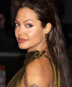 Angelina Jolie Photos, Photo And Video, Womens Fashion, Instagram, Female Actresses, Women's Fashion, Woman Fashion, Fashion Women, Feminine Fashion