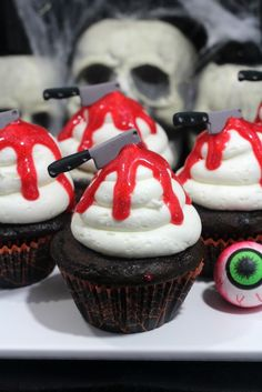 Bloody knife cupcake